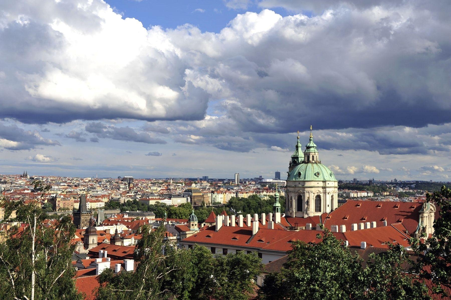 Pohled z Jižních zahrad Pražského hradu