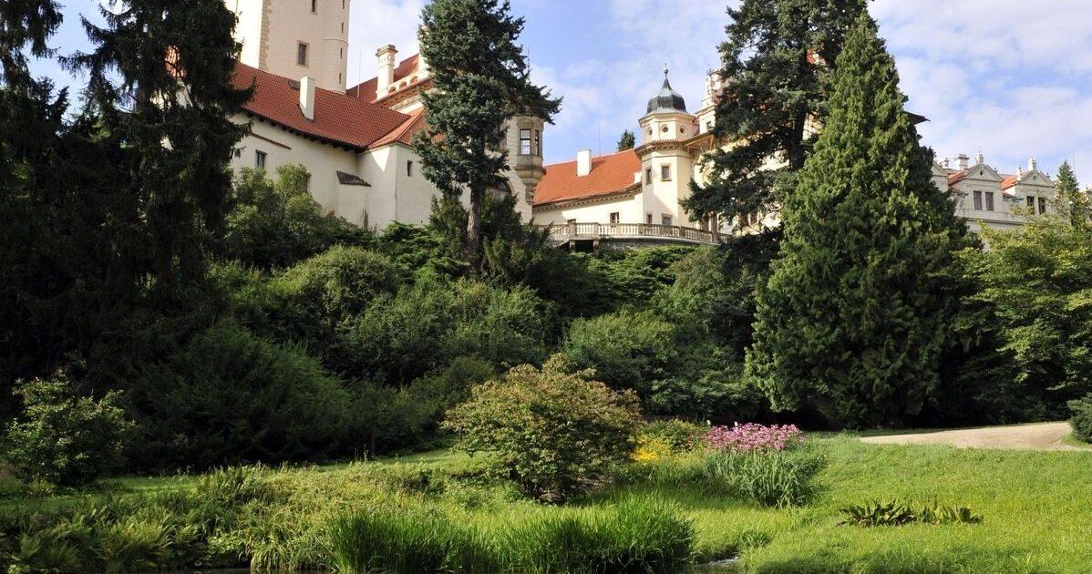 Průhonický zámek a park