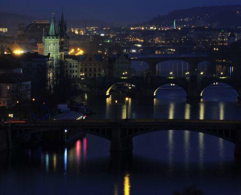 Praha z vyhlídky nad Vltavou Letná