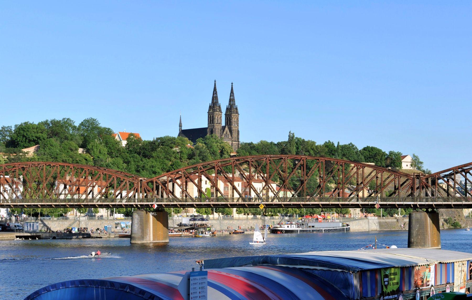 Vyšehrad a Železniční most