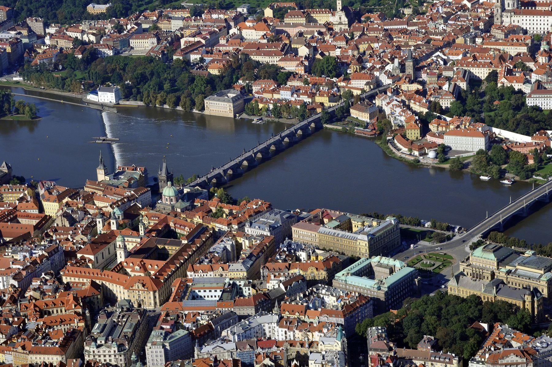 Malá strana, Karlův most, Staré město letecky
