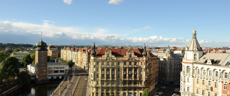 Praha Mánes z Tančícího Domu
