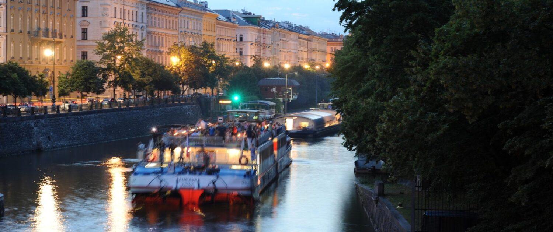 Provoz na Vltavě Smíchov & Dětský ostrov